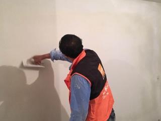 墙、顶面乳胶漆及墙纸铺贴