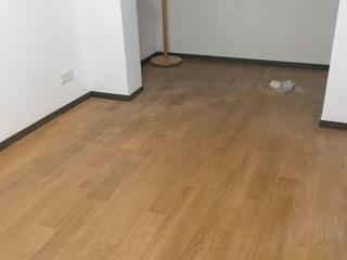 实木复合地板铺设