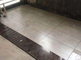 地砖铺贴及地面找平施作