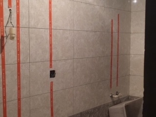 厨房、卫生间墙砖施作